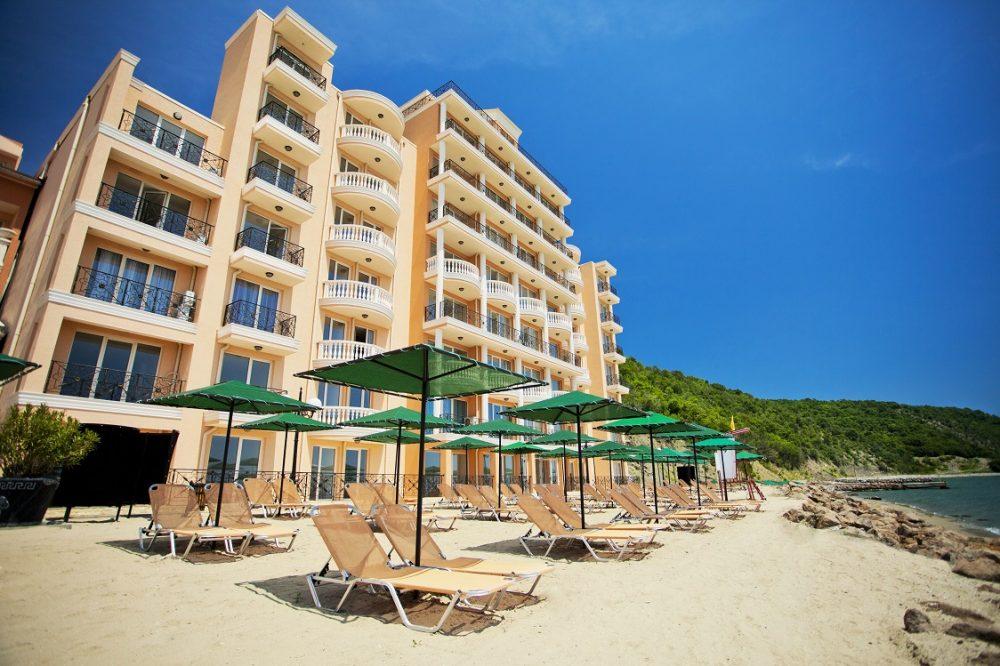 Плаж   Хотел Роял Бей