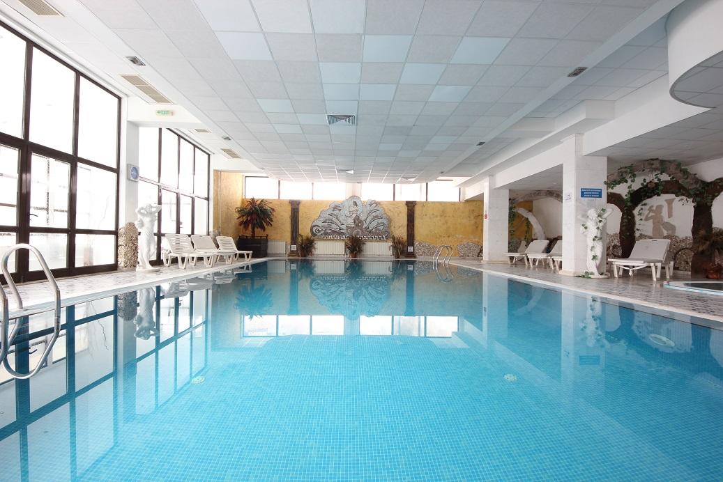 Вътрешен басейн | Хотел Пампорово