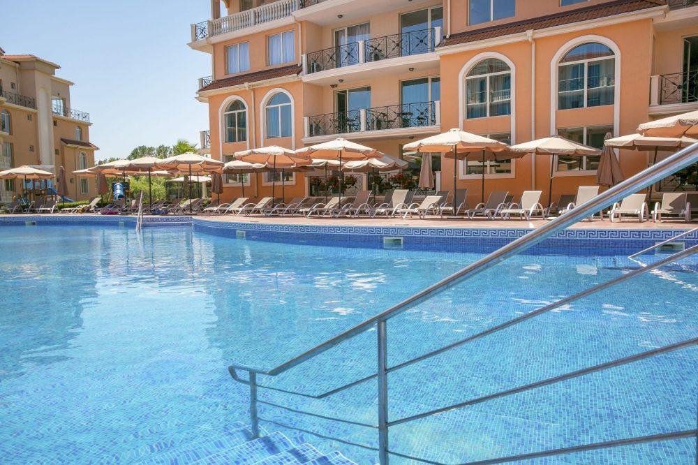 Външен басейн | Хотел Хасиенда Бийч Созопол