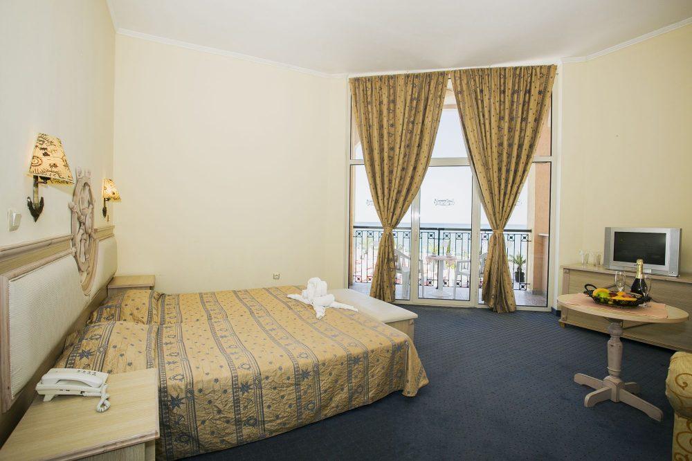Двуспално студио Хотел Роял Парк Елените (12)