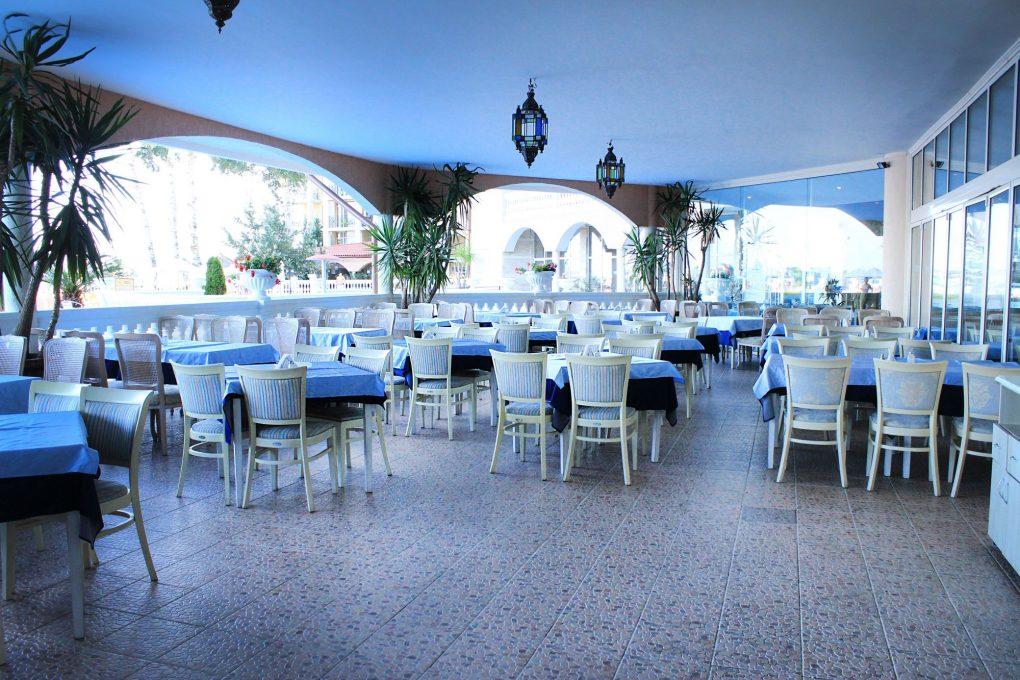 Основен ресторант Хотел Роял Парк Елените