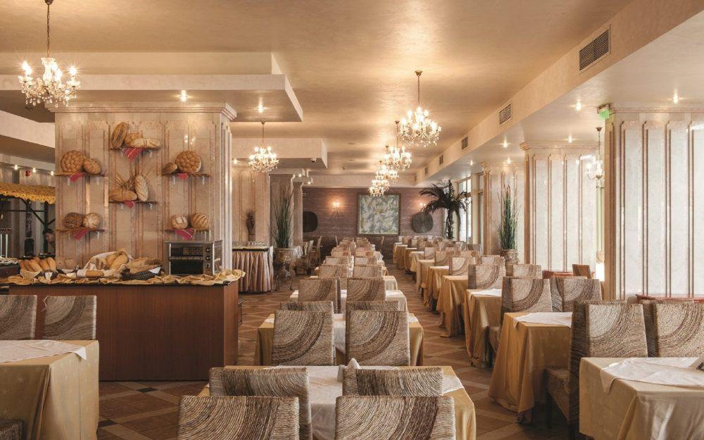 Основен ресторант Хотел Роял Бей Елените