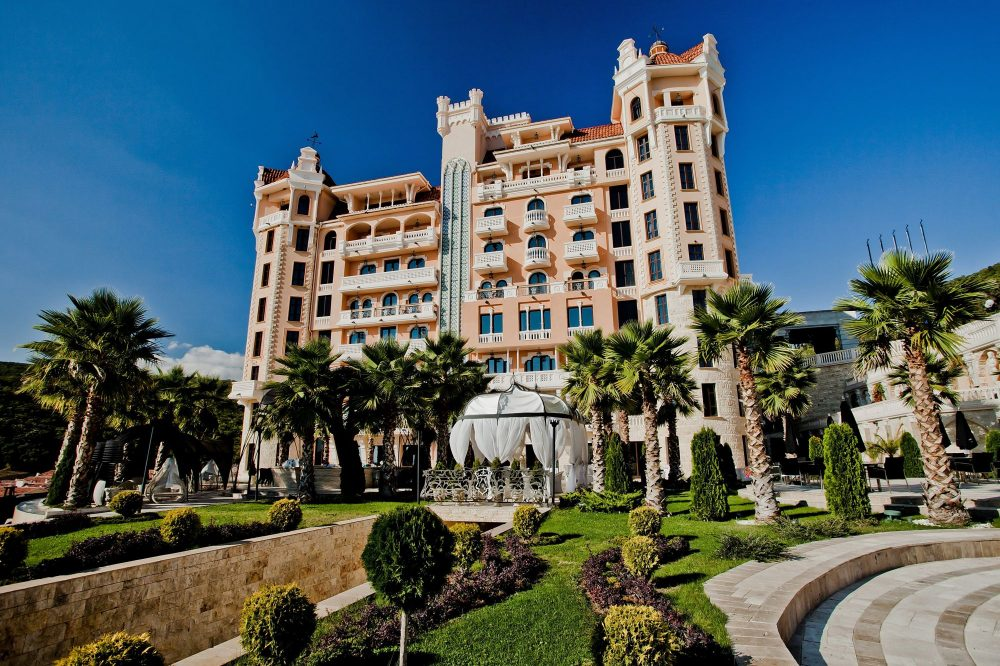 Exterior Hotel Royal Castle