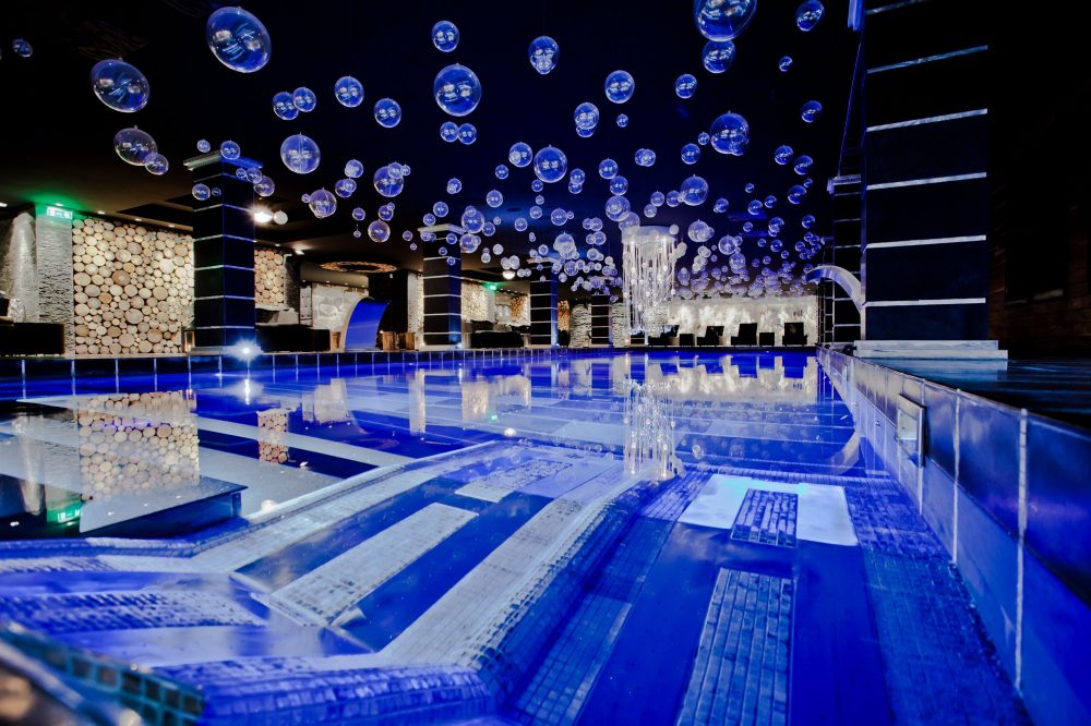 Indoor Pool Hotel Royal Castle