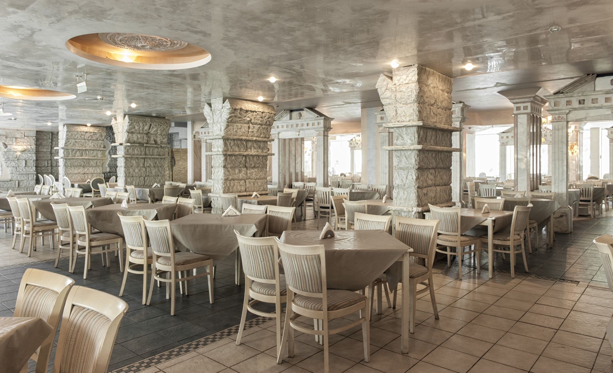 Основен ресторант Чайка Бийч Резорт
