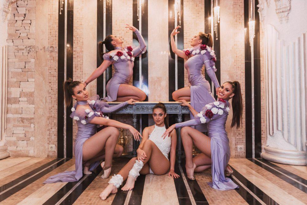 Шоу спектакул балет Мегами хотел Роял Касъл